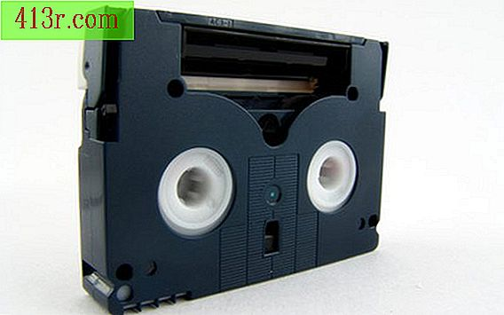 Come trasferire nastri video analogici da 8 mm su DVD?